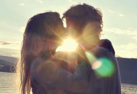 女性が喜ぶキスのしかた